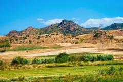 Campo agrícola en la provincia de Nuoro en el soporte Ortobene Cerdeña imagen de archivo