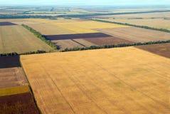 Campo arado y otras tierras de labrantío Fotos de archivo libres de regalías