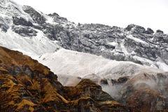 Campo bajo de Annapurna, montañas de Himalaya, Nepal Imagen de archivo libre de regalías