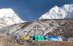 Campo bajo del pico de la isla y de x28; Imja Tse& x29; cerca del monte Everest fotografía de archivo libre de regalías