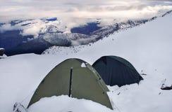 Campo base della spedizione della montagna di elevata altitudine Fotografia Stock