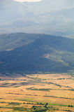 Campo blu bulgaro di giallo della montagna Fotografia Stock