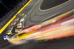 Campo con la sfida con attori famosi di girata 4 NASCAR Fotografia Stock