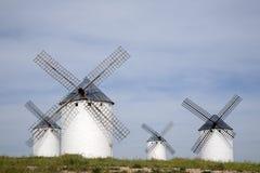 campo criptana de windmill Στοκ φωτογραφία με δικαίωμα ελεύθερης χρήσης