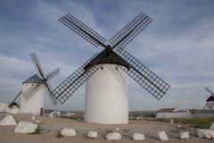 campo criptana de windmill Στοκ φωτογραφίες με δικαίωμα ελεύθερης χρήσης