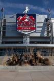 Campo da autoridade dos esportes em Denver fotos de stock
