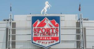 Campo da autoridade dos esportes na milha alta Foto de Stock Royalty Free