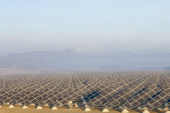 Campo da energia solar imagem de stock