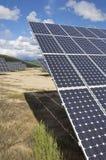 Campo da energia solar fotografia de stock