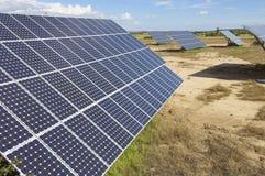 Campo da energia solar imagens de stock