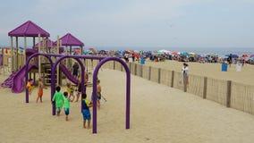 Campo da giuoco alla spiaggia al parco di Asbury nel New Jersey Fotografia Stock Libera da Diritti