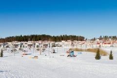 Campo da giuoco in inverno immagine stock