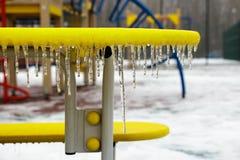 Campo da giuoco nell'inverno coperto di ghiaccio Fotografie Stock Libere da Diritti