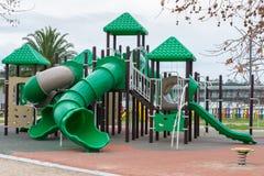 Campo da giuoco verde per i bambini all'aperto Fotografia Stock Libera da Diritti
