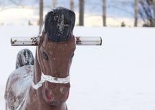 Campo da giuoco vuoto di inverno con il cavallo Fotografie Stock Libere da Diritti