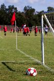 Campo da prática da esfera de futebol Foto de Stock Royalty Free