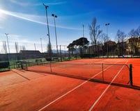 campo da tennis artificiale dell'argilla fotografie stock libere da diritti