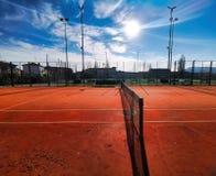 campo da tennis artificiale dell'argilla immagine stock