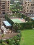 Campo da tennis in città Immagini Stock Libere da Diritti