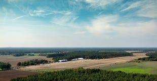 Campo de aviación de Wilsche, tomado durante acercamiento de aterrizaje con el girocóptero imagen de archivo libre de regalías