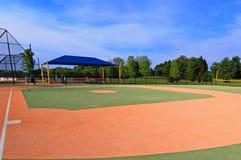 Campo de béisbol sintético fotografía de archivo