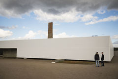 Campo de concentração nazista em Alemanha Ruínas de fornos da cremação de Sachsenhausen Fotos de Stock