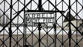 Resultado de imagen de dachau campo concentracion nieve