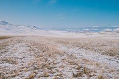Campo de congelação em Rússia imagens de stock