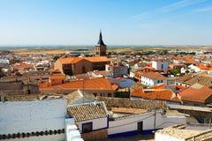 Campo de Criptana im Sommer La Mancha, Spanien Lizenzfreies Stockfoto