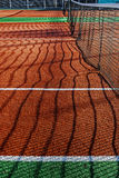 Campo de deportes sintetizado para el tenis 2 imágenes de archivo libres de regalías