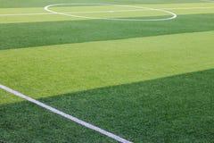 Campo de fútbol artificial de la hierba en Chiang Mai, Tailandia Fotos de archivo libres de regalías