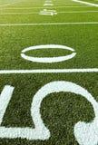 Campo de fútbol con 50, 40, 30 Foto de archivo