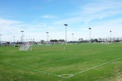 Campo de fútbol en el gran parque OC Fotos de archivo