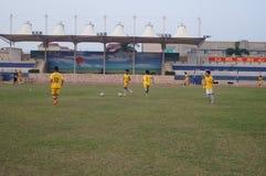 Campo de fútbol en la escuela Fotografía de archivo libre de regalías