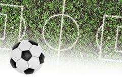 Campo de fútbol y la bola Fotografía de archivo