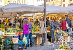 Campo De Fiori jedzenia historyczny rynek w Rzym Zdjęcie Royalty Free