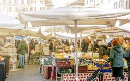 Campo De Fiori jedzenia historyczny rynek w Rzym Obrazy Royalty Free