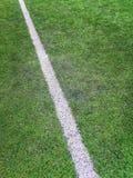 Campo de futebol da atividade secundárioa, campo de futebol artificial da grama da marca do giz da atividade secundárioa fotografia de stock royalty free