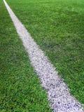 Campo de futebol da atividade secundárioa, campo de futebol artificial da grama da marca do giz da atividade secundárioa foto de stock royalty free