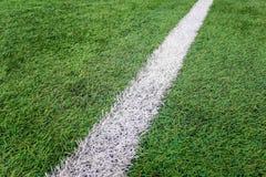 Campo de futebol da atividade secundárioa, campo de futebol artificial da grama da marca do giz da atividade secundárioa imagem de stock royalty free
