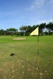 Campo de golf con el indicador Fotografía de archivo libre de regalías