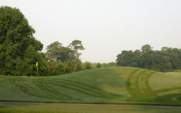 Campo de golf con rocío imagen de archivo libre de regalías