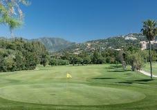 Campo de golf, Marbella en Costa del Sol, España imagenes de archivo
