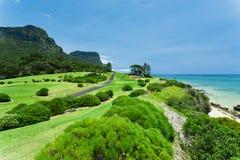 Campo de golf por el mar Foto de archivo libre de regalías