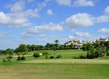 Campo de golf, trabajo de mantenimiento, Andalucía, España Foto de archivo libre de regalías