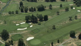 Campo de golf verde delicioso almacen de metraje de vídeo