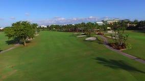 Campo de golf video aéreo 2 almacen de metraje de vídeo