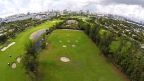 Campo de golfe aéreo 4k video estoque