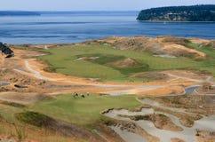 Campo de golfe da baía das câmaras imagens de stock royalty free