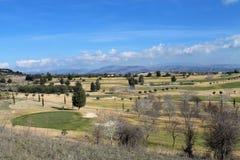 Campo de golfe no campo fotos de stock royalty free